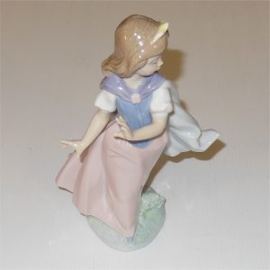 Lladro Girl Dancing Figure 1992