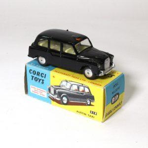 Corgy Toys 418 Austin FX4 Taxi