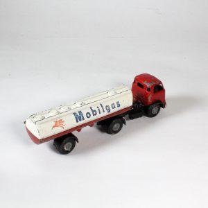 Micro G/27 Commer Mobilgas Tanker