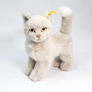 Beautiful White Steiff Cat