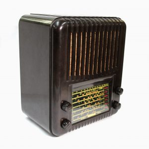Healing Bakelite Golden Voice Valve Radio (Fully Restored)